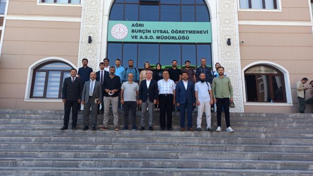 AK Parti Ağrı İl Başkanı Özyolcu Gazetecilerle Bir Araya Geldi