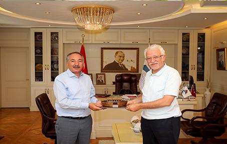 AİÇÜ Rektörü Prof. Dr. KARABULUT, Necmettin Erbakan Üniversitesi Rektörü Prof. Dr. ZORLU'yu Misafir Etti