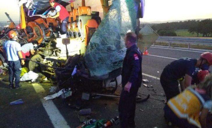 Cinayet gibi kaza 9 yolcu hayatını kaybetti 30 yaralı var