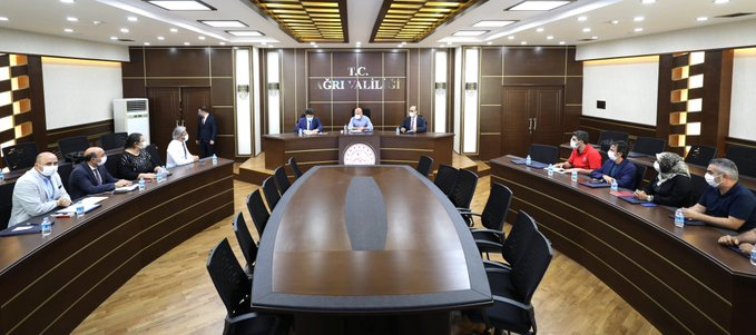 Vali Varol'un Başkanlığında Covid-19 Değerlendirme Toplantısı Düzenlendi