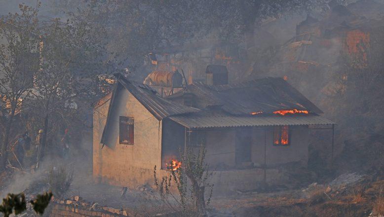 Marmaris'teki orman yangını, evlere sıçradı