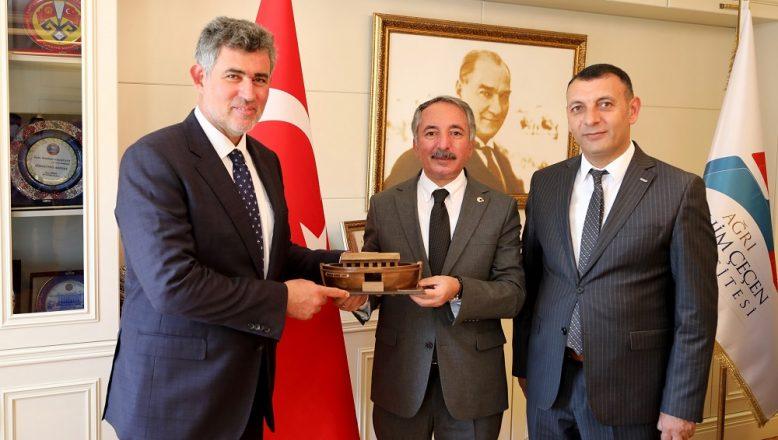 TBB Başkanı Metin Feyzioğlu, AİÇÜ Rektörü Karabulut'u Ziyaret Etti