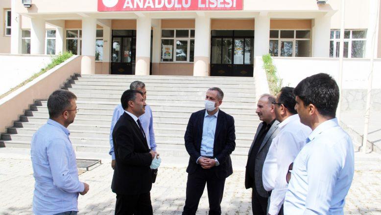 Müdür Kökrek, Eleşkirt ilçesindeki okulları ziyaret etti