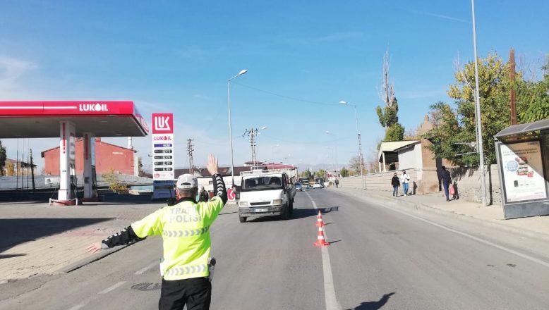 Ağrı İl Emniyet Müdürlüğü Trafik Denetimi Uygulamaları gerçekleştirdi