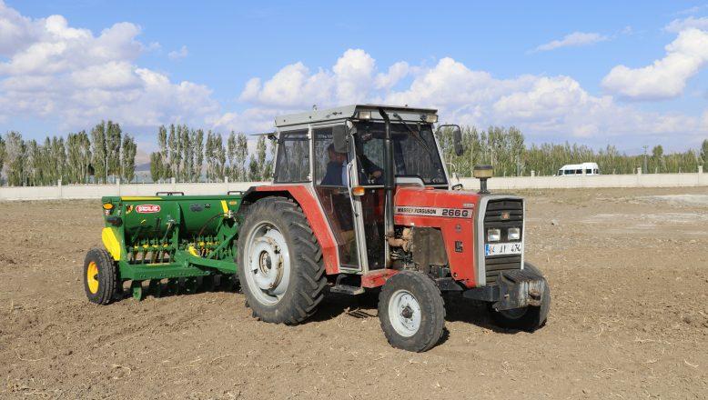 Tarım Park Projesi kapsamında buğday ve arpa çeşitleri ekildi
