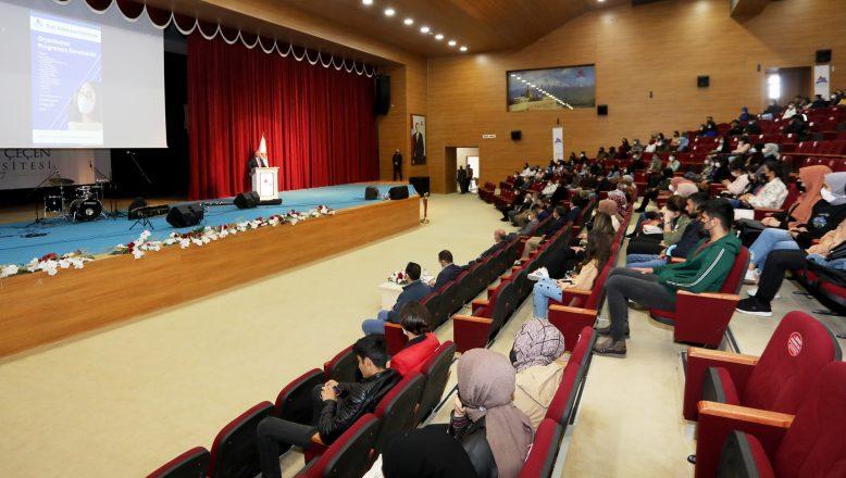 Ağrı İbrahim Çeçen Üniversitesi Rektörü Prof. Dr. KARABULUT Öğrencilerle Bir Araya Geldi
