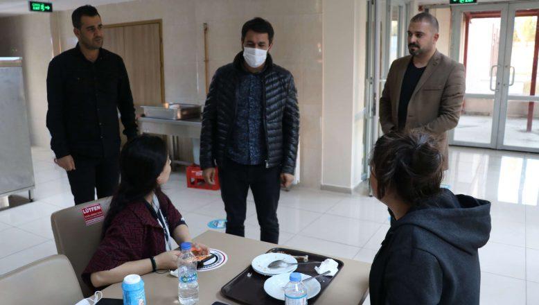 Ağrı Gençlik ve Spor İl Müdürü İsmail Çalgan öğrencileri ziyaret etti