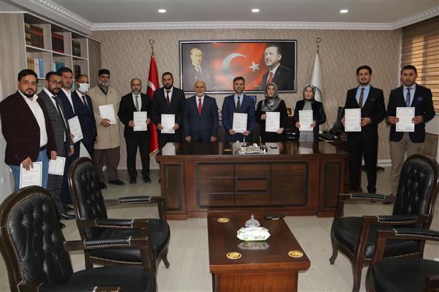 Ağrı'da Din Görevlileri Başarı Belgesi ile ödüllendirildi